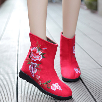 18 fashion Winter new retro ethnic style old Beijing embroidered shoes two cotton boots embroidery short boots plus velvet warm18 fashion Winter new retro ethnic style old Beijing embroidered shoes two cotton boots embroidery short boots plus velvet warm
