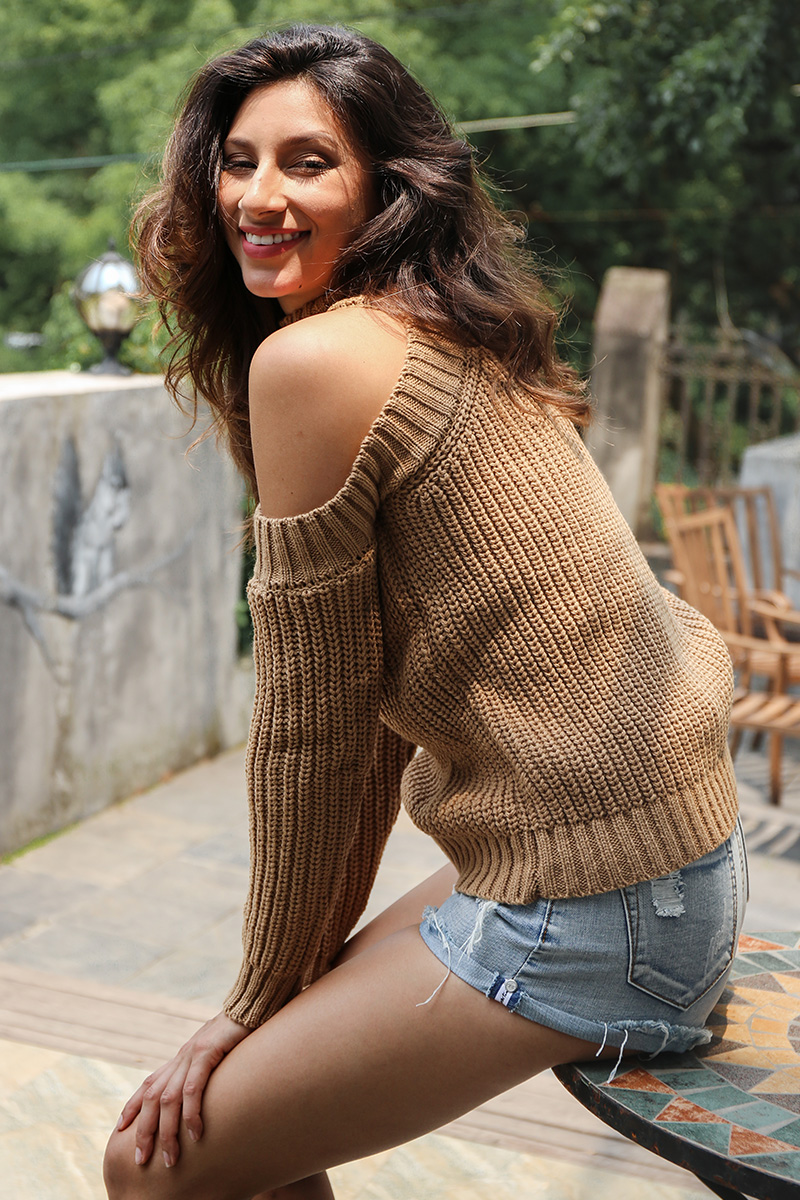 Simplee Turtleneck off shoulder knitted pullovers Sexy tricot cut sleeve sweater women Winter casual oversized jumper 4