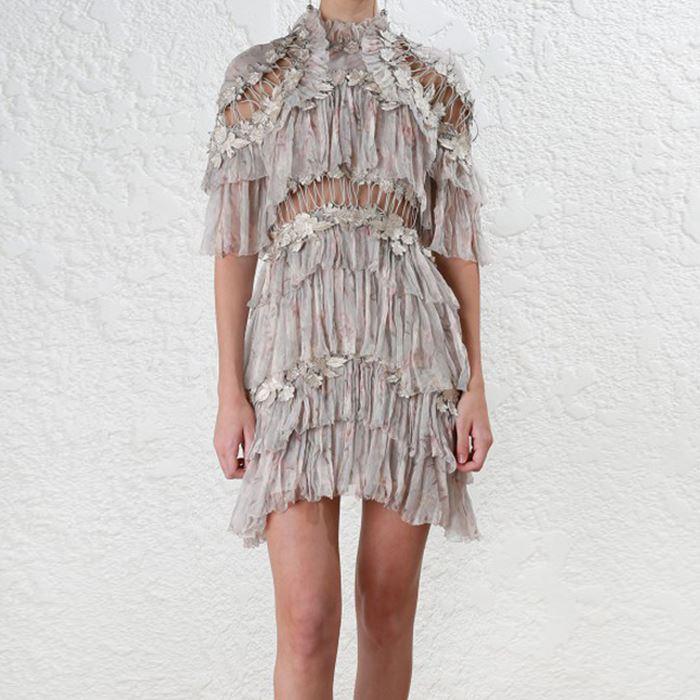 Nuovo Del Ricamo Del vestito di estate Europa ombelico stampato abito lungo pesante del merletto openwork torta a strati