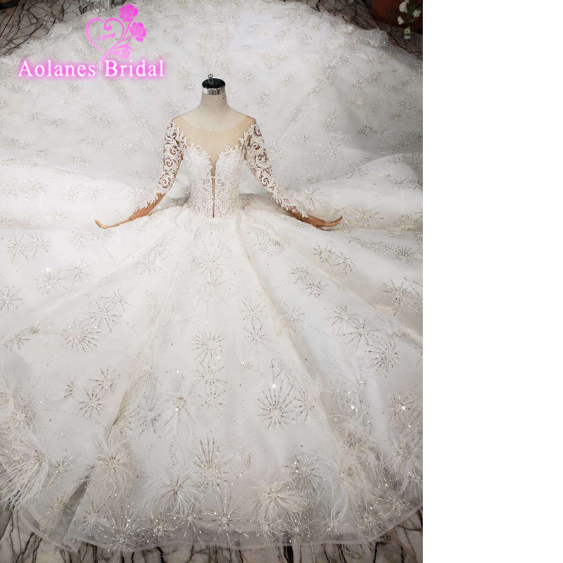New Arrival Sexy Long Sleeves Wedding Dress High-end Lace Feathers Appliques Bridal Gown Luxury Wedding Gown With Long Train