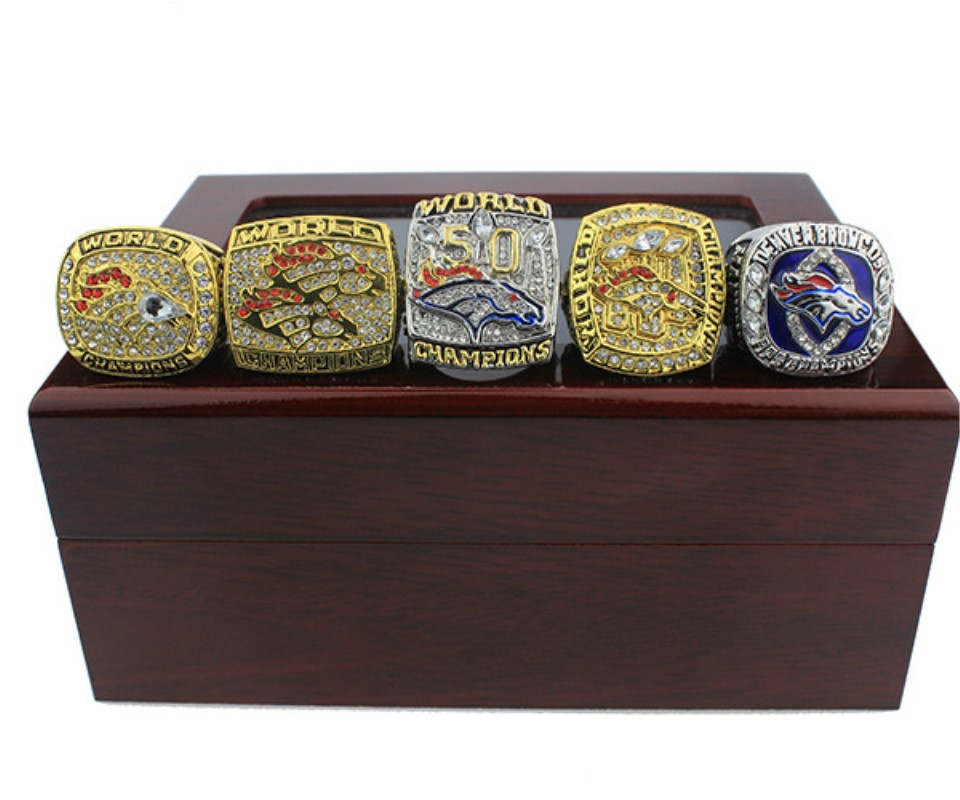 New classic zinc alloy champion ring Denver Mustang championship ring exquisite wooden box men and women fans commemorative gift vintage diamante turtle embellished alloy ring for men and women