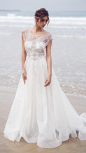Beach Wedding Dresses 2017 Scoop Sleeveless Backless Sweep Train Chiffon with Beading Crystal A-line Bridal Gown Dresses