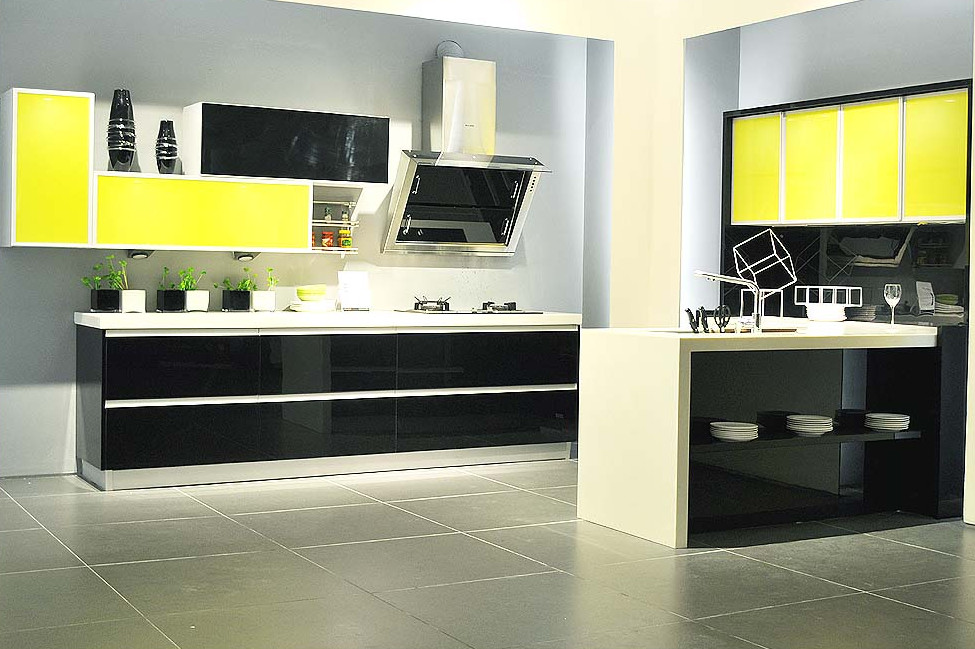Mobili Cucina Giallo.Us 2400 0 High Gloss Moderna Mobili Cucina Due Colori Nero Misto Giallo In Mobili Da Cucina Da Miglioramento Della Casa Su Aliexpress Com Gruppo
