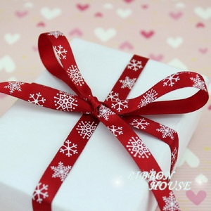 "Image 3 - 3/8 ""(10Mm) Rood Gedrukt Sneeuwvlok Satijn Lint Christmas Gift Linten"