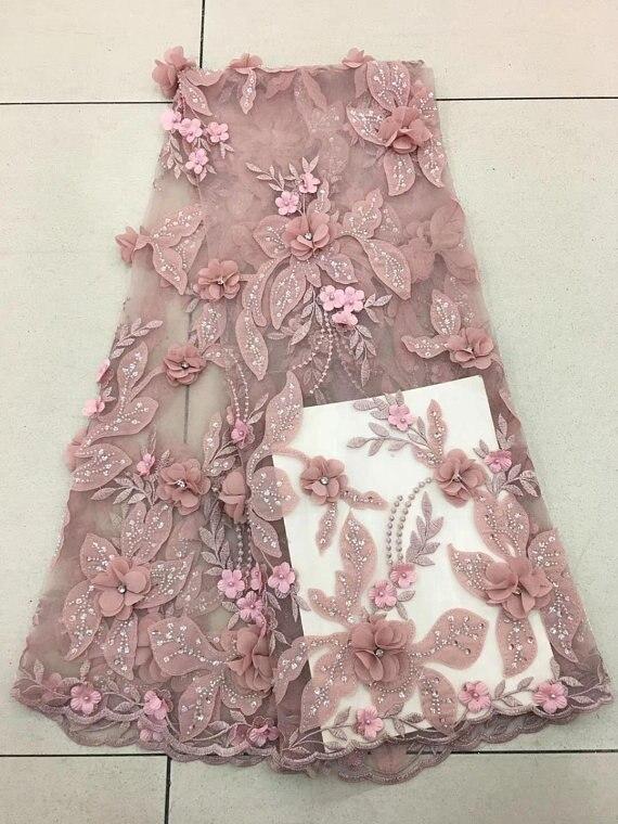 Tissu de dentelle rose nue de 5 yards avec florals 3d, tissu français de dentelle pour la haute couture, tissu lourd de dentelle de perles avec des fleurs
