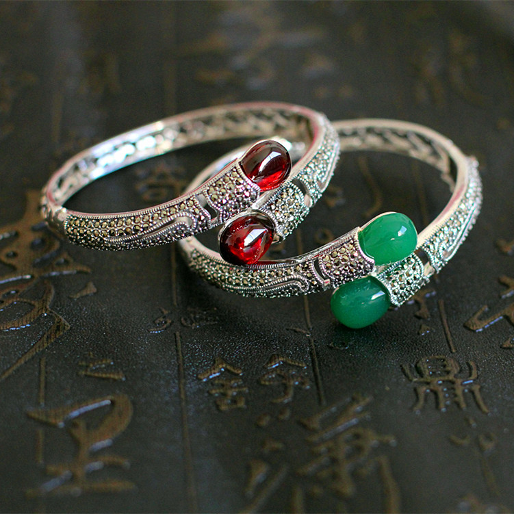 S925 sterling silver beautiful Thai silver luxurious ladies garnet red hollow carved bracelets