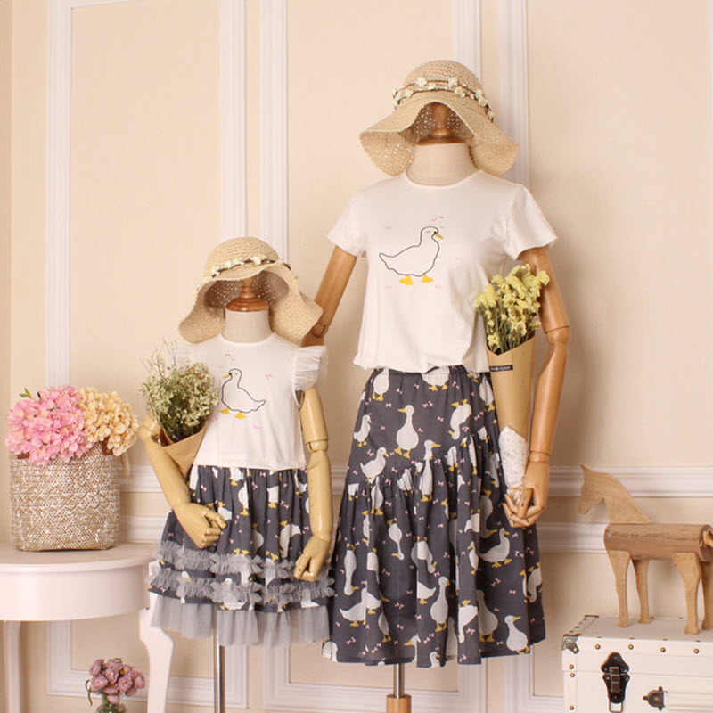 2017 Summer children clothes 4XL women lady kids girls family Look mother and daughter dress Mom & baby girl embroidery ducks XL children clothing mother and daughter dress black and white rabbit 2y 10y child baby baby girl infant lady women large size 4xl