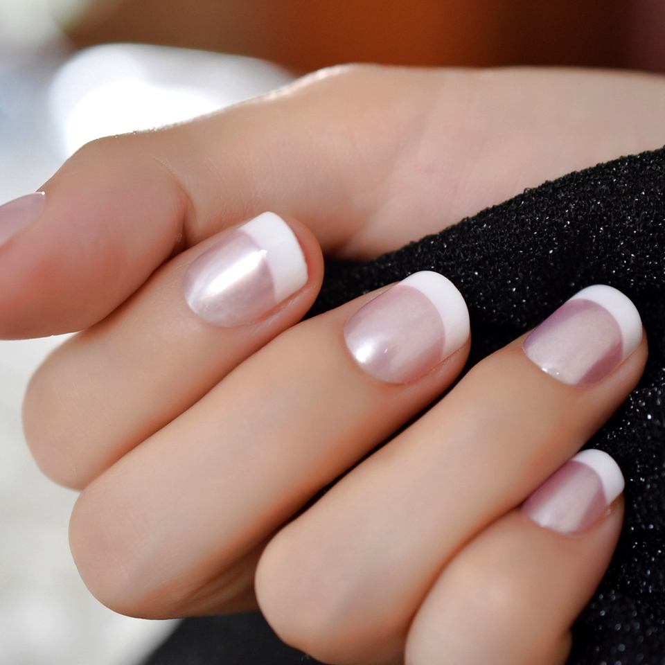 Pearl Shine Pink French Nail White Round Fake Nails Short Glossy