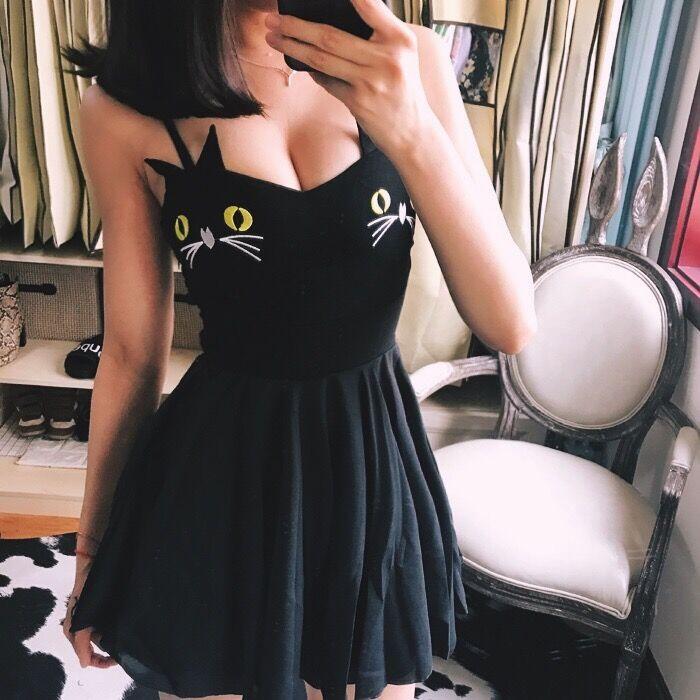 2018 Summer Women Sexy Club Cat Embroidery Dress Pleated Mini Short V-Neck Strap Spaghetti Punk Gothic Darkness Vestdios