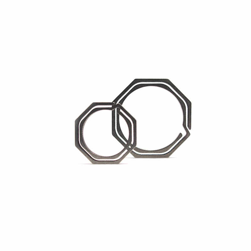 1 PCS חדש תליית אבזם חיצוני טיולים תרמיל מפתח טבעת אוקטגון צורת טיטניום סגסוגת Carabiner מפתח קליפ וו קמפינג כלי