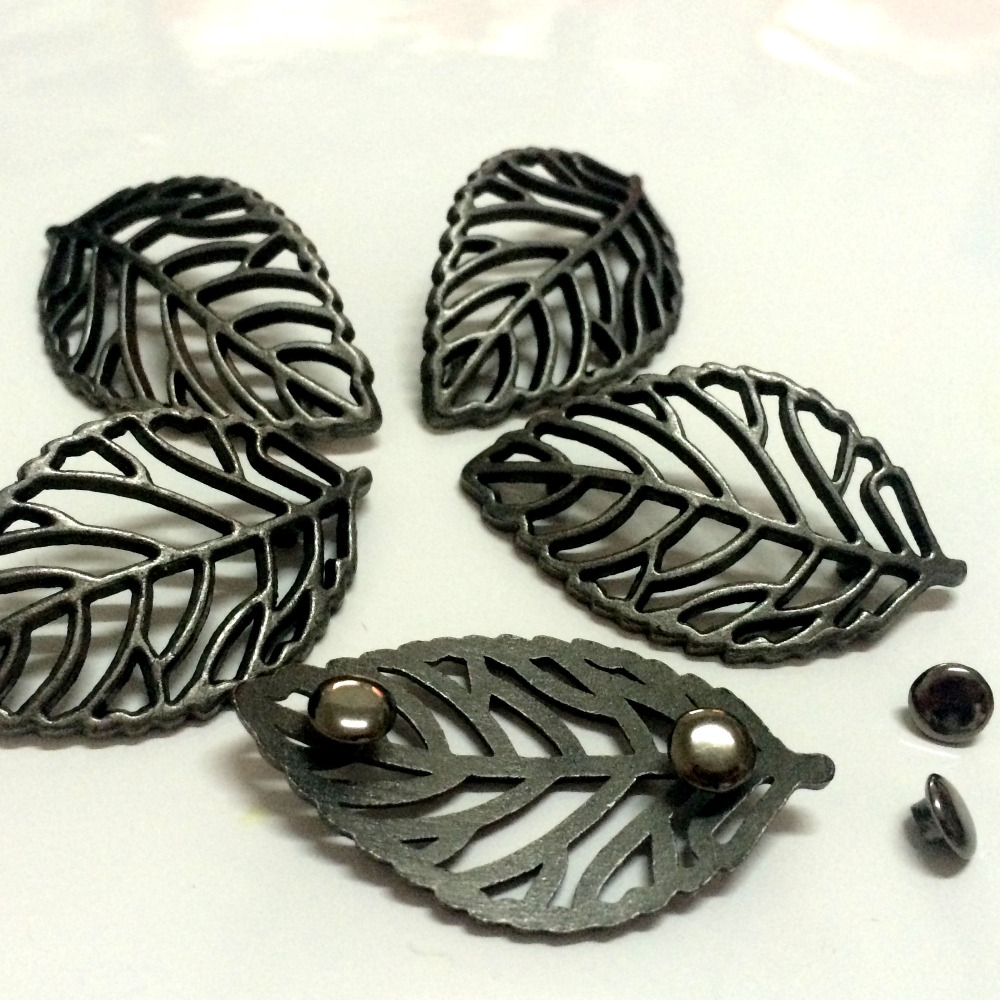 Noua 30PCS 40X24MM Argintiu de argint Big Copac Frunze Plăcuțe Șuruburi Punk Leaf Șuruburi Spike Pantofi Curea Bag Accesoriu Piele Artizanat