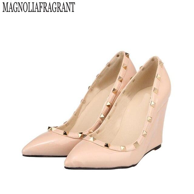 8edeeed55a 2017 sapatos femininos sapatos da moda modelos estrela rebite sapatos com  sapatos de salto cunha bombas