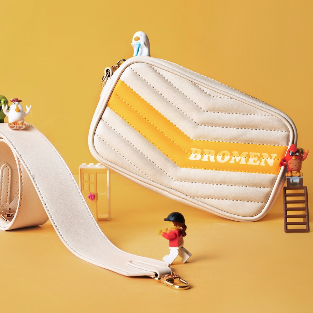 купить LOEIL Bag female rhombic chain Messenger bag female shoulder wave tide handbags fashion student small bag недорого
