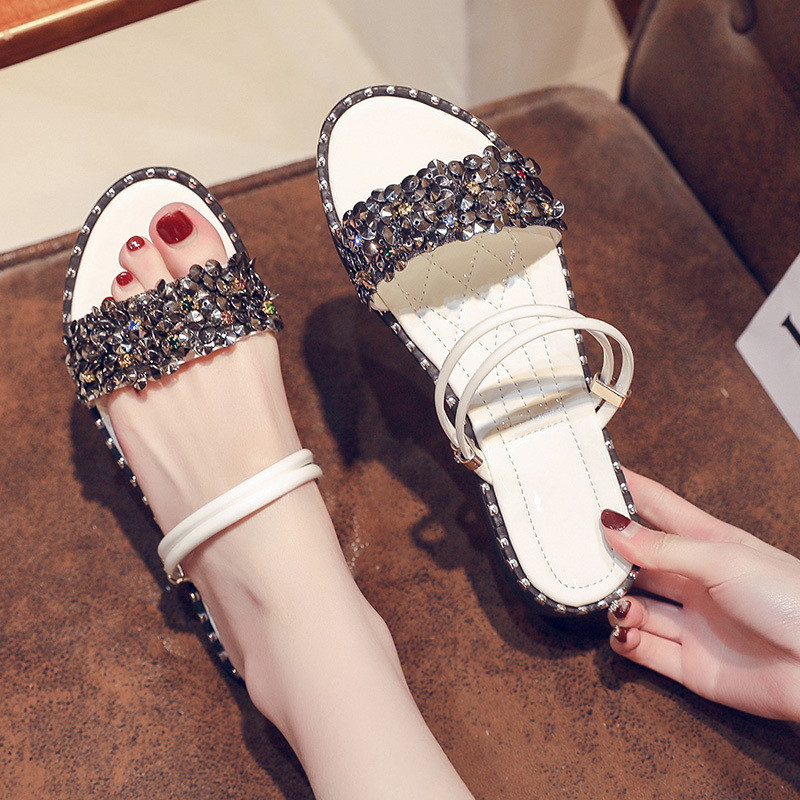 HKJL 2019 new cubs bottom slippers for women to wear fashionable all in one Korean version of non slip slippers A726 in Slippers from Shoes