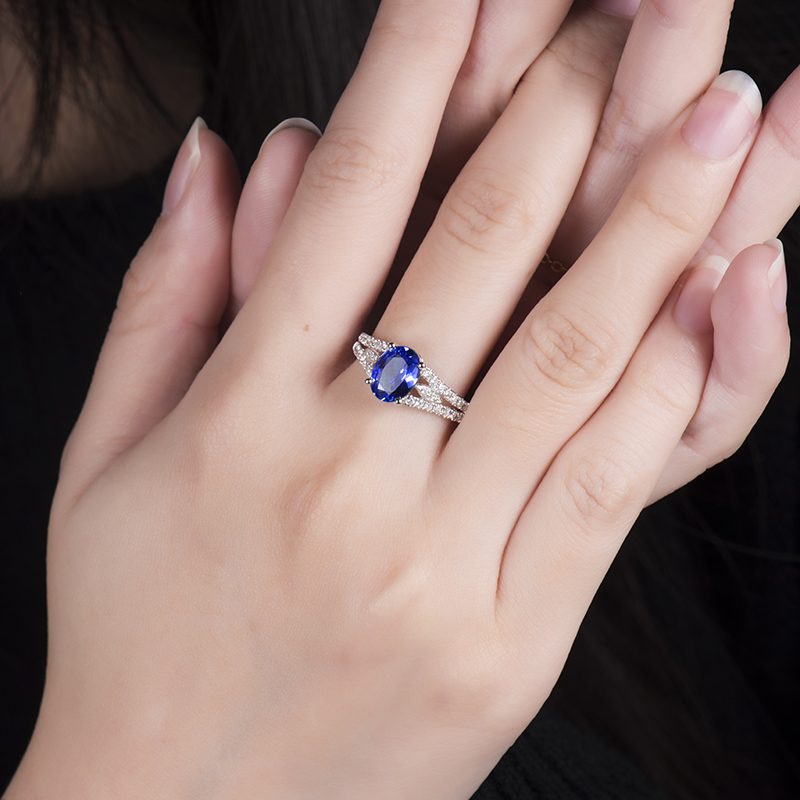 robinson goldsmiths offer tanzanite a oval large ir cluster