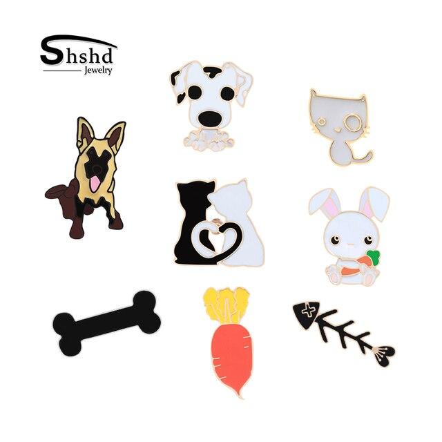 05 40 De Descuentoshshd De Dibujos Animados Blanco Negro Par Gato Perro Hueso De Pescado Broche Insignia De Metal Conejo Pines De Esmalte Collar