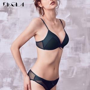Image 3 - אופנה ילדה חזייה אפור נשים חזיית סט סקסי תחתונים נוח דק כותנה מותג חזיות עמוק V חוט משלוח הלבשה תחתונה סט