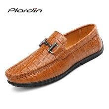 Plardin/Новая Всесезонная модная мужская Удобная Разделение кожа Повседневное украшения из металла плед Стиль Вышивание мужская кожаная обувь