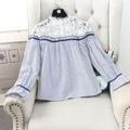 2017 chegada nova primavera moda feminina bonito oco out floral camisa pullover feminino lovely casual pétala blusa gola peter pan