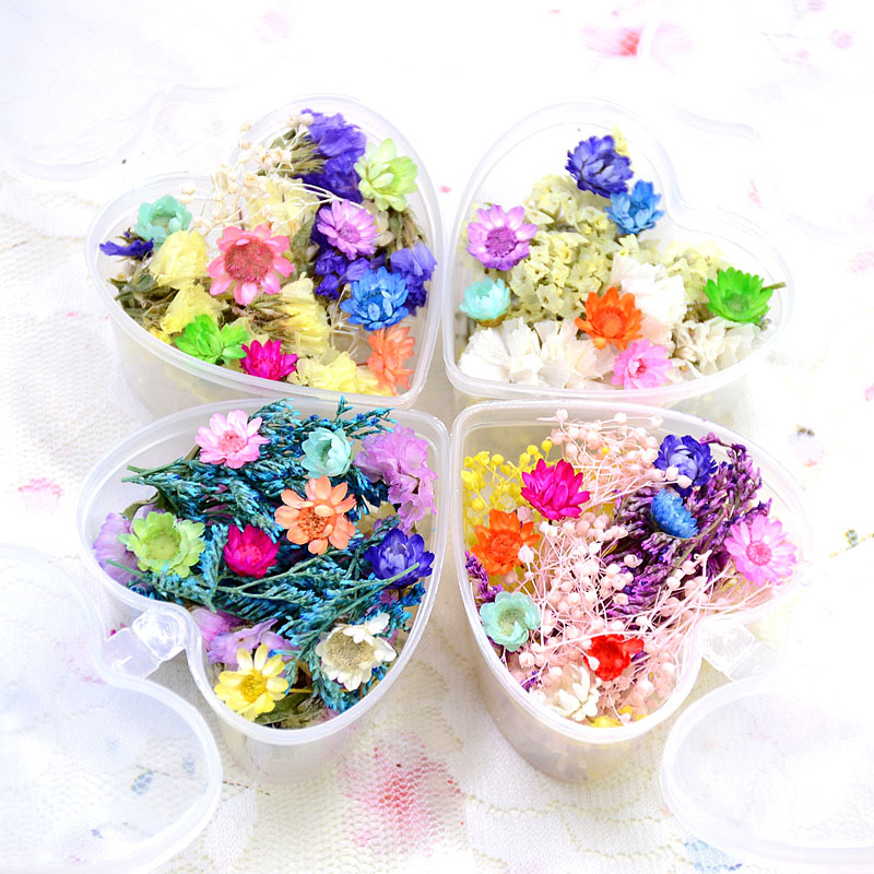 цены на Mixed Dried Flowers Nail Art Decorations Preserved Flower with Heart Shape Box Manicure Tips Decoration DIY Nail Accessories