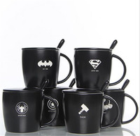 De avengers zwarte lemon koffie mok met lepel superman spiderman batman hulk thor mokken keramische mokken drinkware