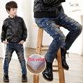 Agujero vaqueros de invierno niños boy pantalones vaqueros de mezclilla y polar AZUL MARINO pantalones CASUALES pantalones de los muchachos niño sólido caliente nuevo 2016
