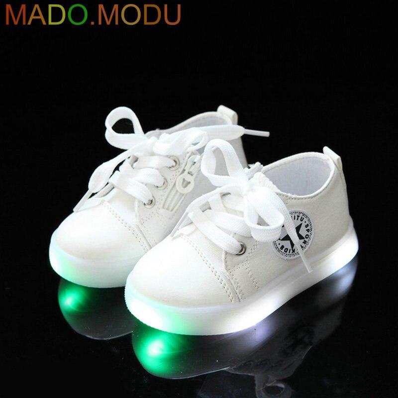 Kinder LED Turnschuhe Weiche Sohle 2018 Neue Kleinkind Ankunft Kinder Leinwand Schuh Gedruckt Baby Mädchen Turnschuhe für Jungen Schuhe mit Licht