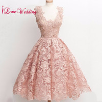Gorgeous Lace A Line Cocktail Dress 2018 Sexy Knee Length Cocktail Gown Champagne Party Gown Real Sample