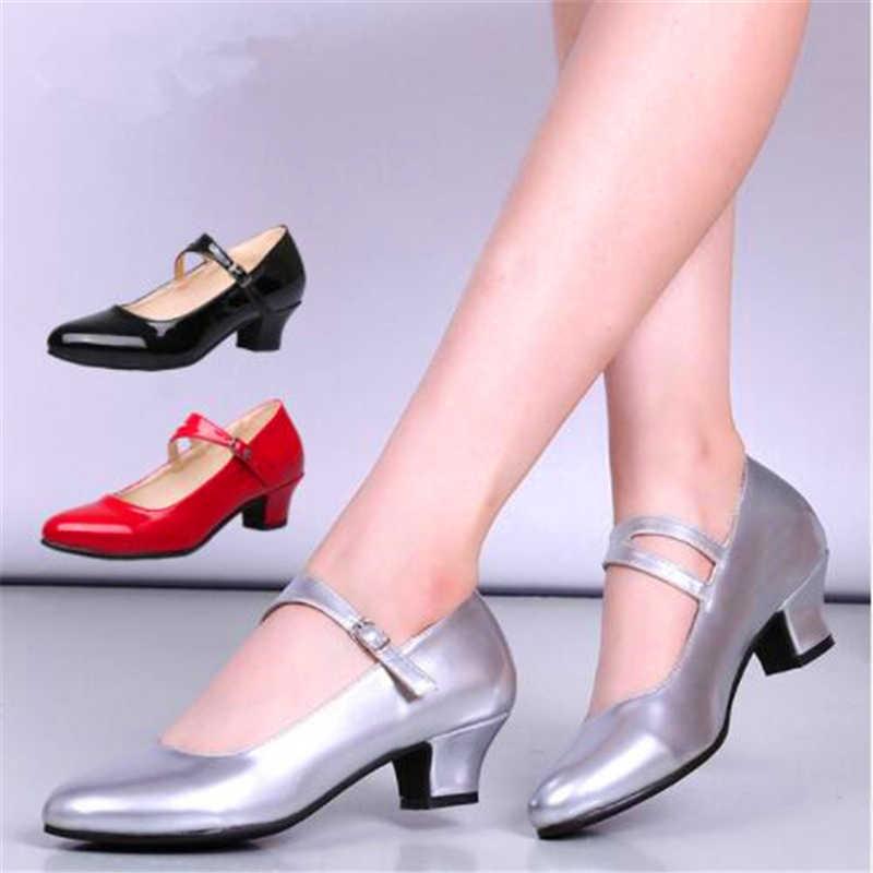 Детские элегантные детские сандалии для принцессы; свадебные туфли из искусственной кожи для девочек; вечерние туфли на высоком каблуке с бисером для девочек; цвет белый, черный