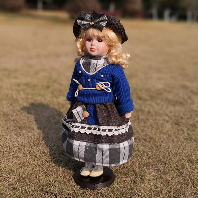 Hot Sell 40CM European Style Victoria Style Russia Ceramic Classical Doll Noble Porcelain Doll High Quality Toy Gift For Girl 86