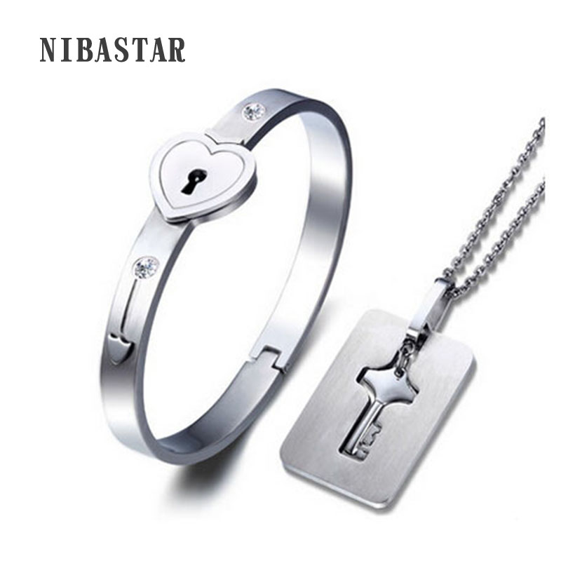 A Couple Lover Jewelry Sets Stainless Steel Love Heart Lock Bracelets Bangles Key Pendant Necklace Couples fashion 2 size pure tungsten steel hematite couple bracelets bangles for women jewelry mens silver color bracelets for lover s