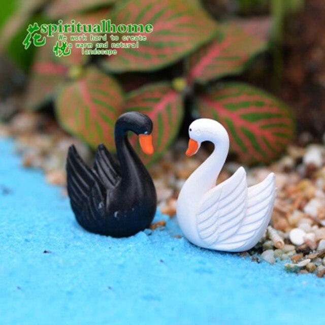 ZOCDOU 2 Pieces Swan Black White Cygnus goose Lake Model Statue Figurine Micro Crafts Ornament Miniatures DIY Home Garden Decor 3