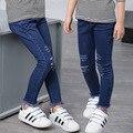 Meninas crianças Calças de Brim 2016 Outono Calças Meninas Menina Estilo Fino Rasgado Jeans Skinny de Jeans Crianças Calças Jeans Crianças Calças