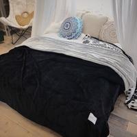 2018 Solid Black Winter Thick Double Sided Warm Blankets Throws Plaids Raschel Blanket Quilt Bedsheet Twin Queen Bedspread