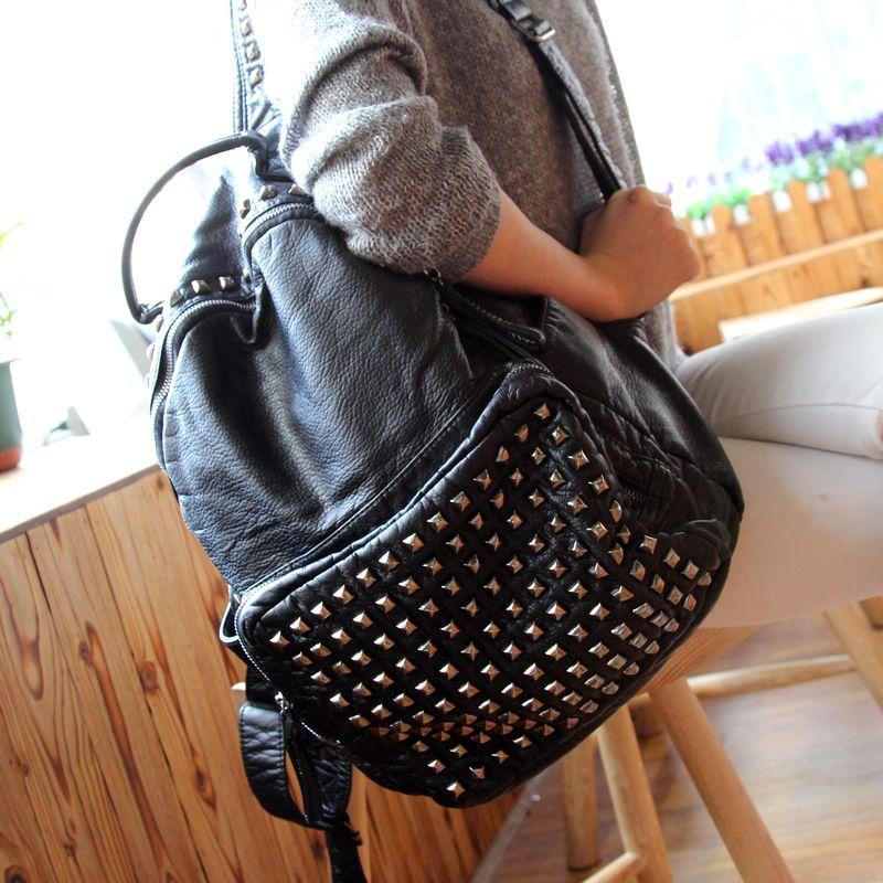 ФОТО New Rivet Europe And Soft Leather Shoulder Bag Fashion Travel Bag High Quality Shoulder Women Backpack Mochila Feminina