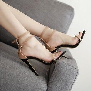 Image 2 - 2020 אופנה קיץ נשים 11.5cm גבוהה דק עקבים אבזם רצועת סנדלי נקבה פטיש גלדיאטור נעל גברת פגיון ולנטיין משאבות