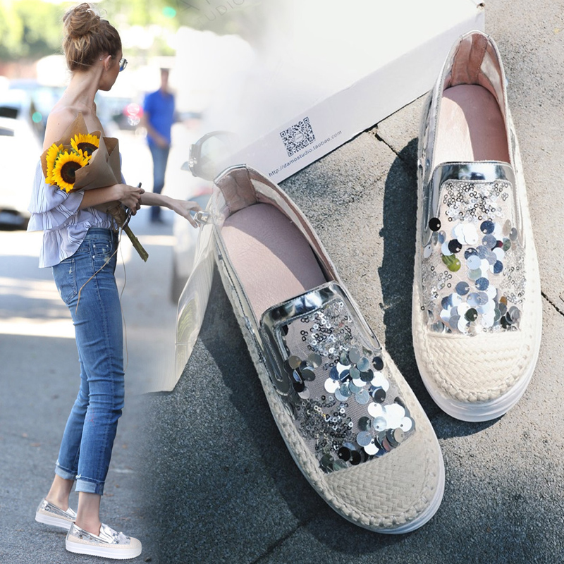 New Korean Lazy Lok Fu shoes Thick white shoes S.equins Flat Single women shoes Straw Fishermen shoes Large size .