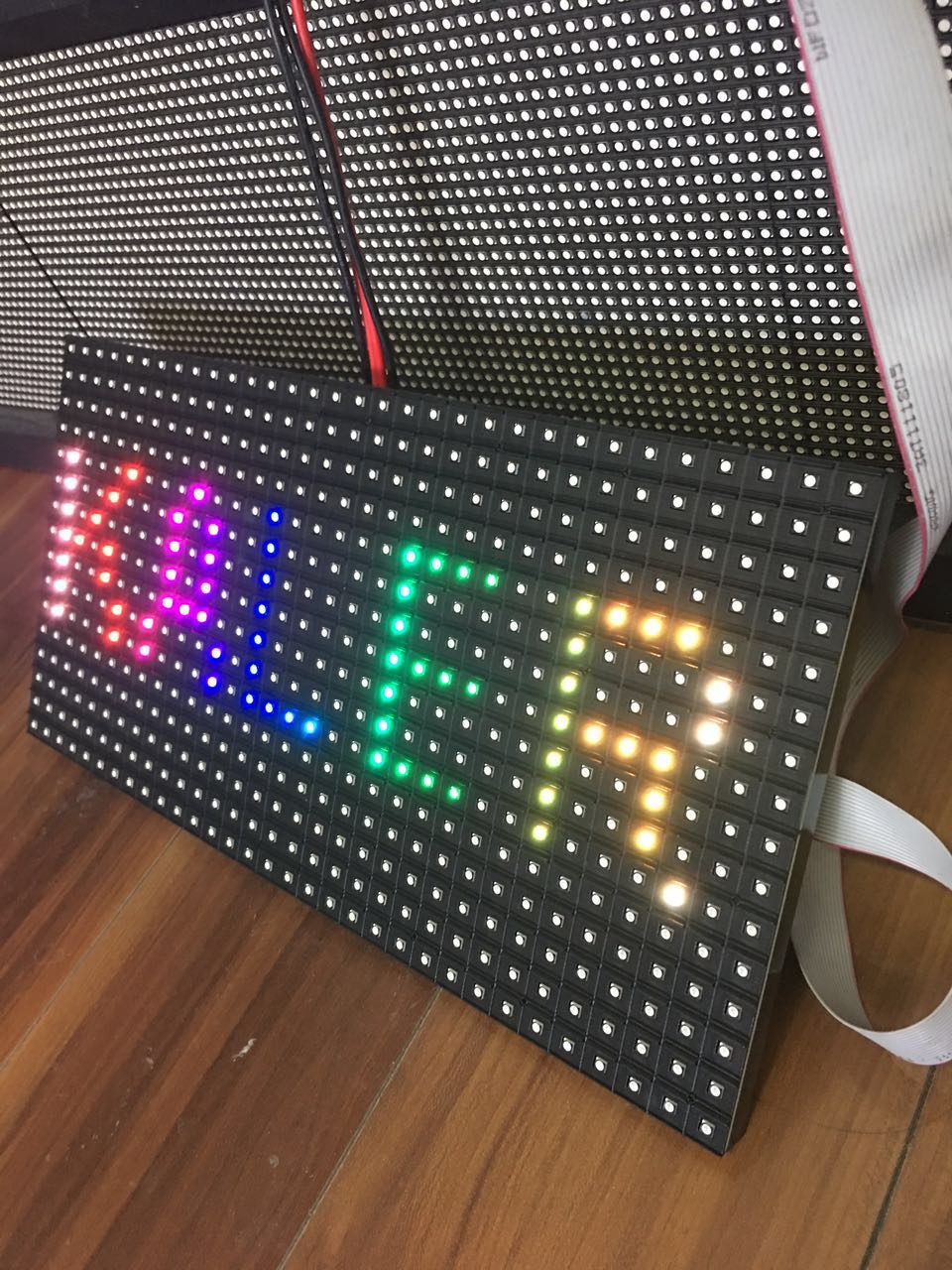 Kaler Indoor 320*160mm 32*16pixels 3in1 SMD 1/8s RGB P10 Full Color LED Module Screen For Advertising Media Text Pictures Video