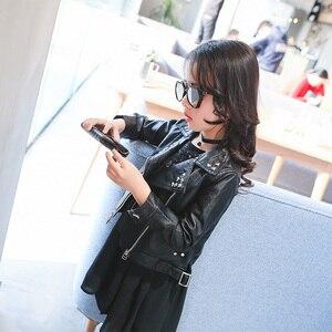 Image 4 - Meninas primavera outono jaqueta 2 7 anos de idade moda plutônio jaqueta lapela casaco rebites de metal motocicleta cinto de couro crianças jaquetas