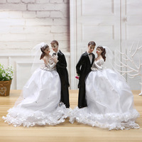 Bride and Groom Wedding Cake Topper Figurines Engagement / Anniversary Cake Toppers with Wedding Dress Decoration