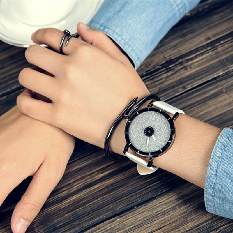 Classic Simple Star Women Watch Men Top Famous Luxury brand quartz watch Leather Student watches For