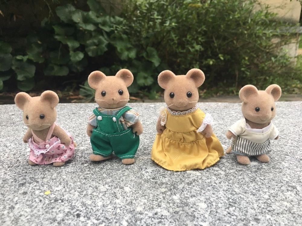 TT03-- Original Sylvanian Families Brown Mouse/Mice Family 4pcs Set Girl Toy Animal Figures Toy Dolls New Loose tt03 sylvanian families mouse family 4pcs parents