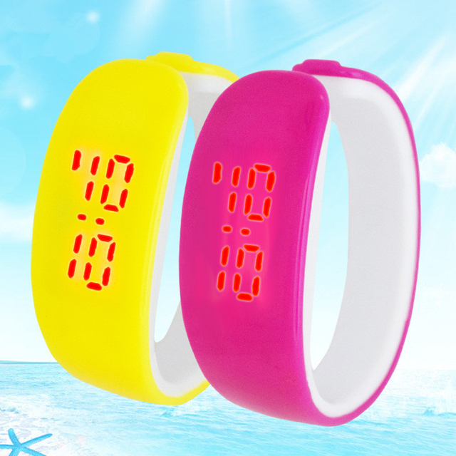 2017 LED kids Watches Date Bracelet Digital Sports Wristwatch for student Candy