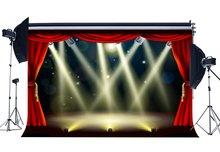 Światła sceniczne Hollywood tło czerwona kurtyna Bokeh błyszczące cekiny teatr fotografia tło