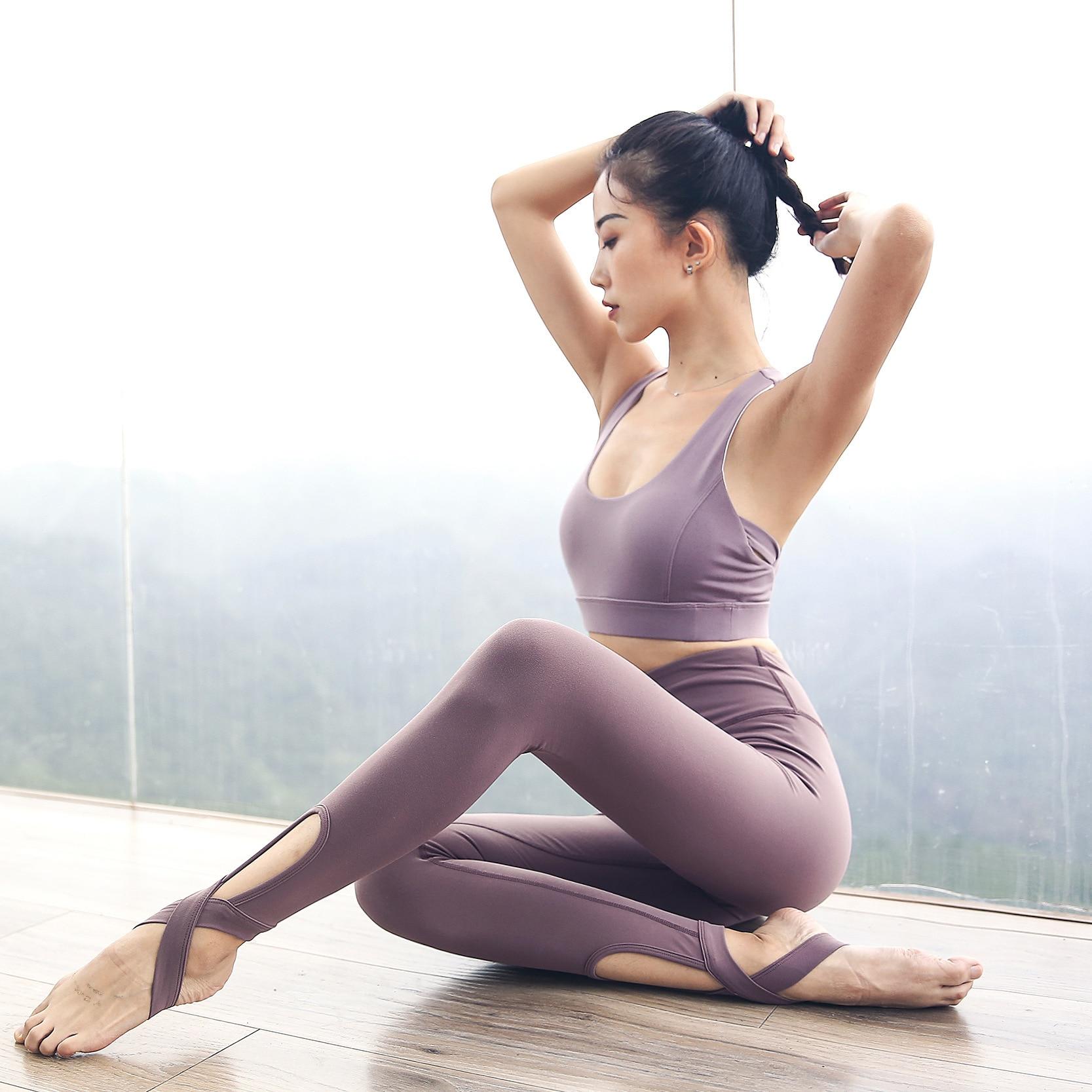 Ensembles de Yoga Pour Les Femmes Vêtements De Sport pour Femme Gym Legging En Cours D'exécution Push-Up Rembourré Soutien-Gorge De Sport À Bretelles 2 pièces Costumes De Sport