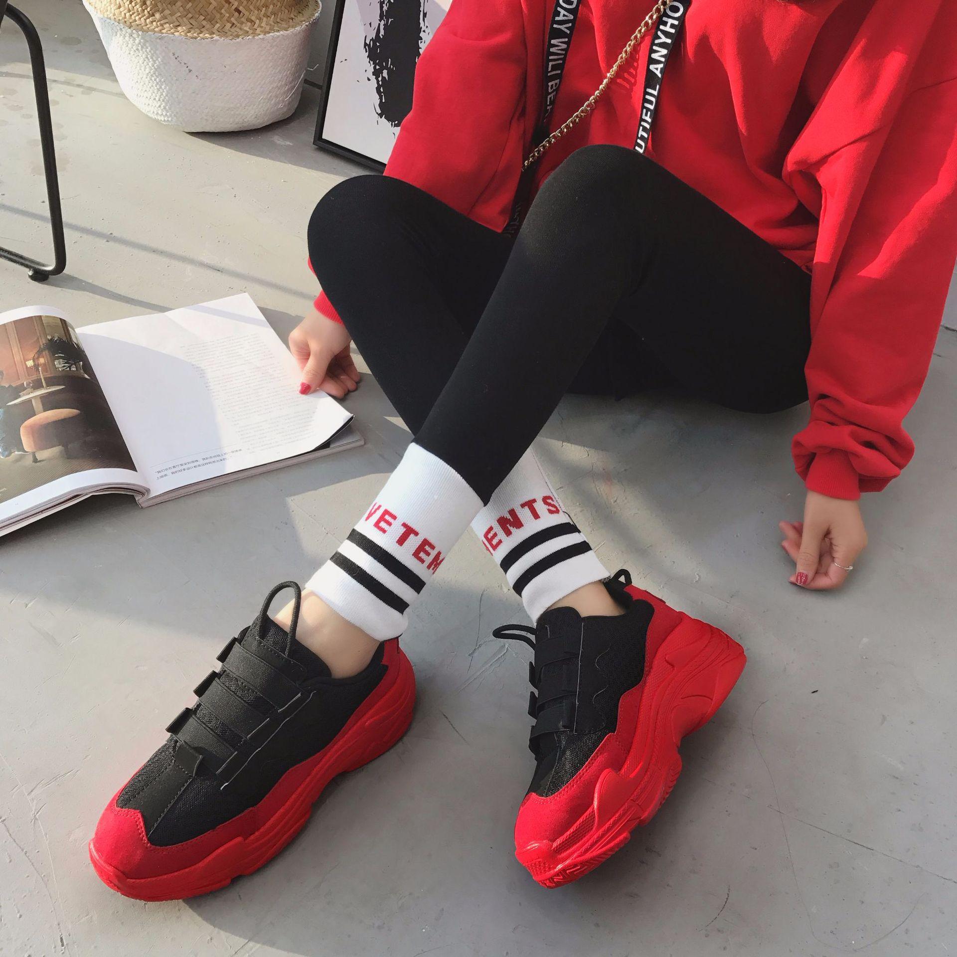 27d394ae4 Сетчатые женские кроссовки на высокой платформе 2018 Модные женские красные  черные туфли для папы женская повседневная обувь на массивном ка.