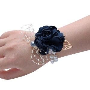 Image 3 - Seide Rose Blume Bräutigam Bouton Braut Handgelenk Corsage Mann Anzug Brosche Frauen Hand Hochzeit Blumen Party Dekoration XF08