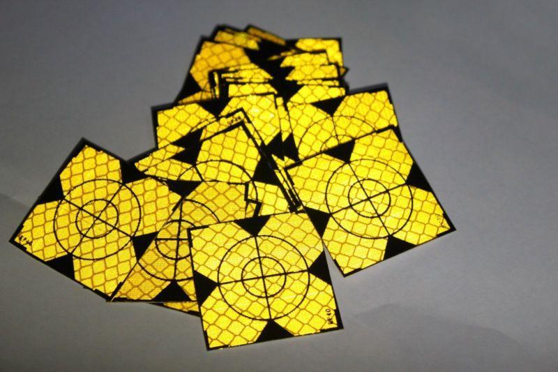 100 шт. желтый Отражатели Простыни 40x40 мм Светоотражающие Клейкие ленты мишень для тахеометра