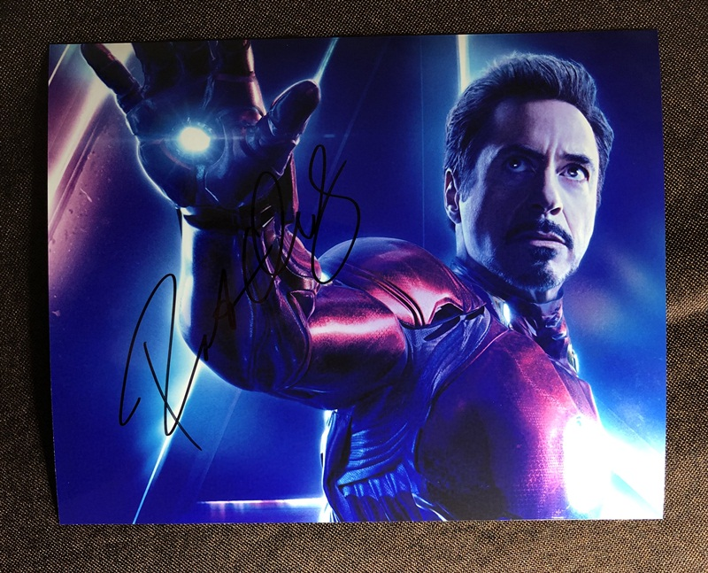 hand signed Robert Downey Jr. Avengers: Endgame autographed photo 8*10 inches 042019Ahand signed Robert Downey Jr. Avengers: Endgame autographed photo 8*10 inches 042019A