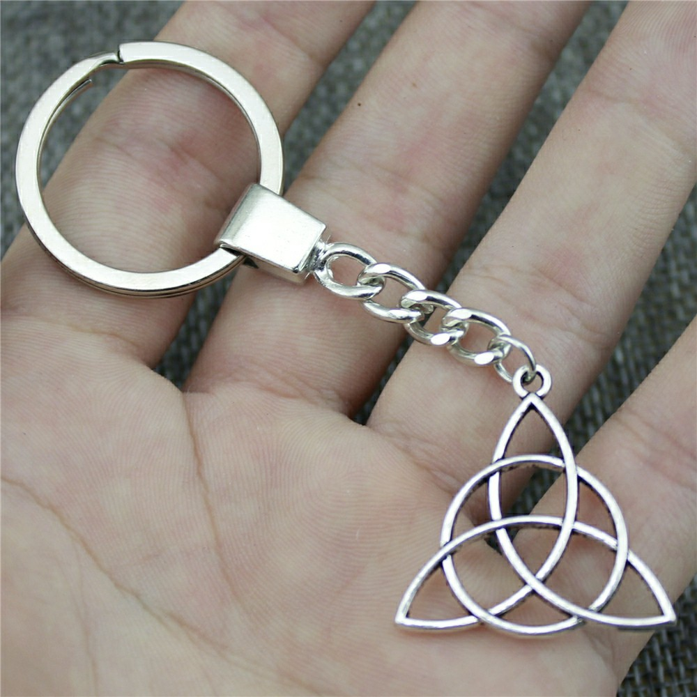 Men Jewelry Key Chain Party Gift Keychains Dropshipping Jewelry 28mm Triquetra Symbol Antique Bronze Key Rings